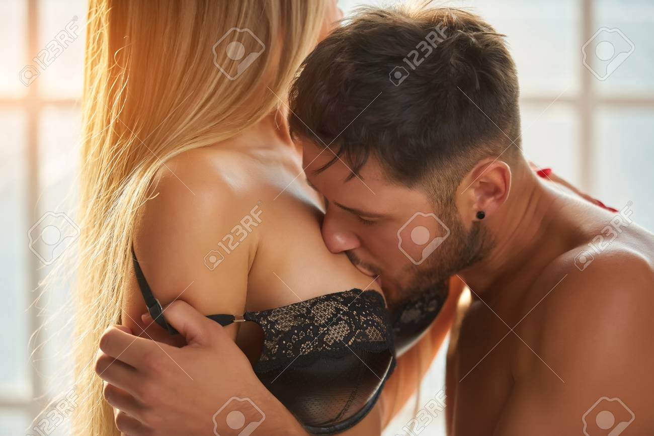 Sex and brest kissing